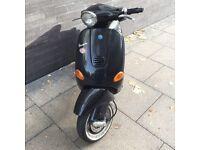 Vespa Piaggio ET2 2002 moped black