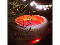 Paris hot tub lay s spa