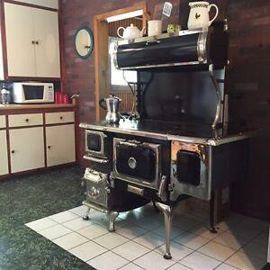 Poêle à bois Elmira stove works Oval