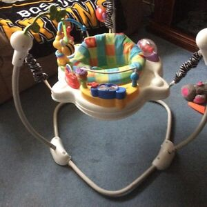Baby seat and play station