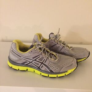 Aasics runners - barely worn!