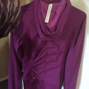 Lululemon size 6 reversable jacket. Brand New Sarnia Sarnia Area image 2
