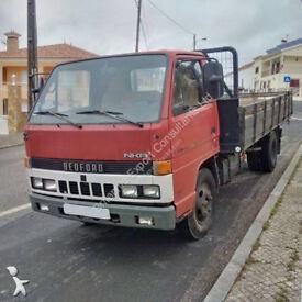 Left hand drive Isuzu NKR 3.3 diesel 6 tyres 6 ton truck. Low miles.