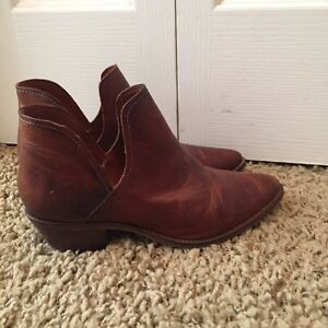 Steve Madden leather boots brand new! Size 8 Cambridge Kitchener Area image 1