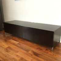 Quality heavy wood TV table Media / Commode bois lourd