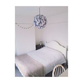 Female Lodger Wanted | Lovely Double Bedroom To Rent in Marston, Oxford |£600 pcm all bills included