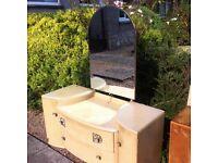Vintage mirrored dresser / free Glasgow delivery
