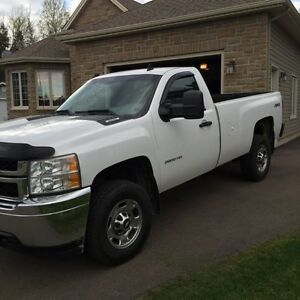 2011 Chevy Silverado 2500 HD - 4x4 - 6L Gas