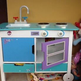 Childs toy kitchen