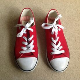 Dunlop trainers child's uk size 1