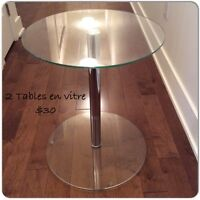 Table de coin en vitre