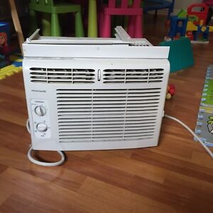 Frigedaire Air Conditioning/ air climatiser
