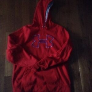 Under armour red sweater excellent condition i