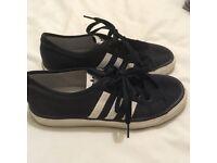 Adidas Nizzas Size 4