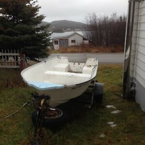 14 ft fibreglass boat motor and trailer