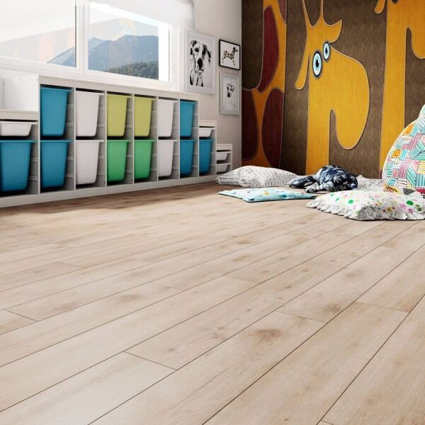 Laminate Flooring 132.66sqm2 available Light Oakin Newcastle, Tyne and WearGumtree - Here I have for sale is London Oak laminate flooring 70 packs (142.87sqm2) 1200m long x 189mm width x 8mm thick 2.04sqm2 per pack £13 per pack Buy as many or as little as you need. Pick up from Benton, Newcastle Upon Tyne