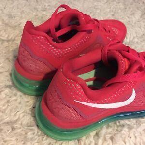 RED NIKE WOMEN AIR MAX SHOES SIZE 7