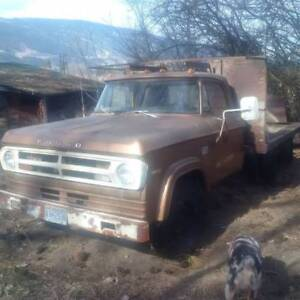1971 Dodge Fargo dually with flat d