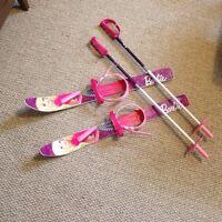 Barbie skis