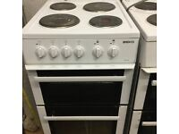 50 cm electric cooker in mint condition with a warranty