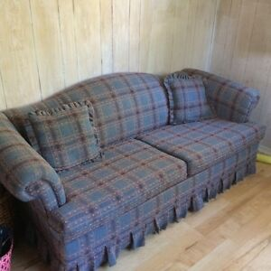 Like New Pull out couch
