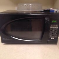 Moving Sale!!! Microwave, TV Stand, Rug.