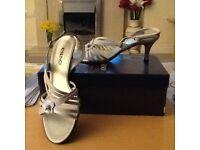 Italian sandals - Essino. Size 6