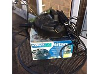 Hozelock cyprio 8000 pond pump, boxed.