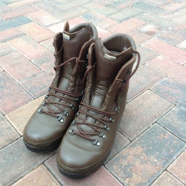 Altberg Defender Lite Gortex Brown Boots Size 8