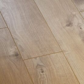 X13 VARIO+ SHERWOOD OAK 12MM LAMINATE FLOORING 16.9m2 COVERAGE