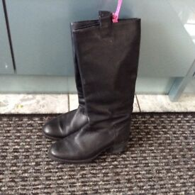 Black Leather Pull on Boots