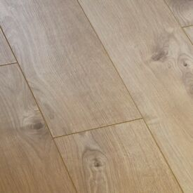 X26 VARIO+ SHERWOOD OAK 12MM LAMINATE FLOORING 33.8m2 COVERAGE