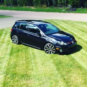 2012 VW GTI FULLY LOADED **Leather seats**