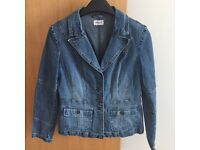 Top Shop Woman's Fitted Denim Jacket