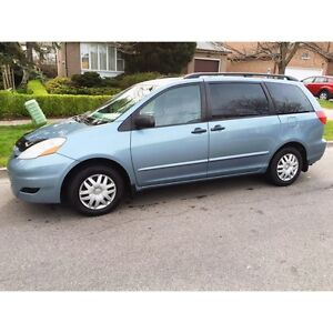2007 Toyota Sienna CE +, 114 000 KM, New tires, 1 owner