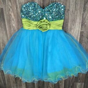 Beautiful Blue Formal / Grad Dress