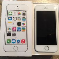 iPhone 5s 16gig white/silver *unlocked*