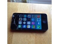 iPhone 4 16gb 02 network . Cracked screen