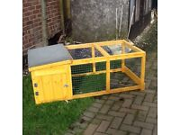 New hutch with run ideal for rabbits or Guinea pigs