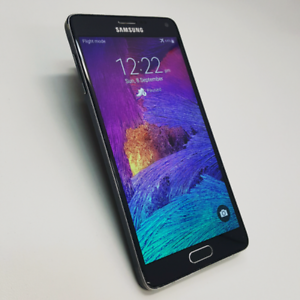 SAMSUNG NOTE 4 32GB BLACK/WHITE COLOUR WITH CHARGING CABLE