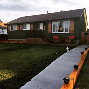 Renovated 3 bdrm main floor in Mayfield