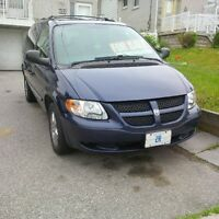 2004 DODGE GRAND CARAVAN $2700 OR BEST OFFER (416) 720-9563