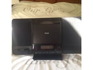 Ipod iphone docking station cd player