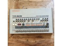 Roland TR 909 Vintage drum machine