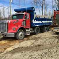 12 roues freightliner fld120 bonne condition