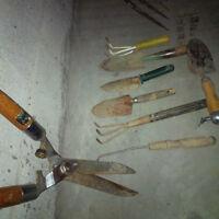 gardening tools - outils de jardinage