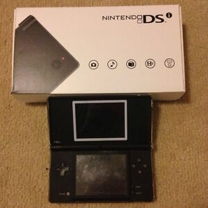 Nintendo DSi - Black with protective case