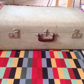 Large Overpond suitcase