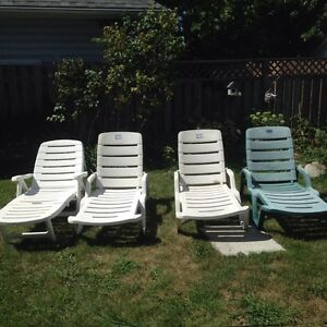 Reclining Lawn Chairs