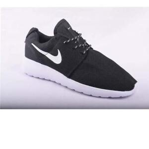 Brand New Mens Nike Roche Running Shoes - Size 10